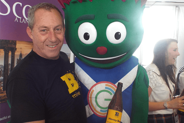 Clyde with honey beer Glasgow Commonwealth Games - Plan Bee Ltd