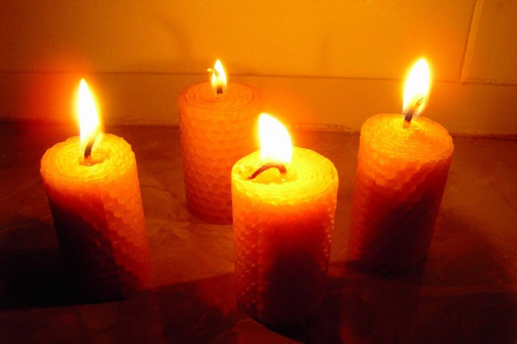 candles beeswax romantic